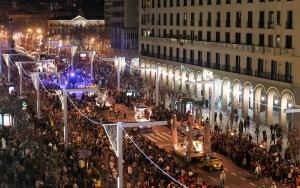 Desfile dos Reis Magos pelo centro de Zaragoza. Programa para pais fortes.